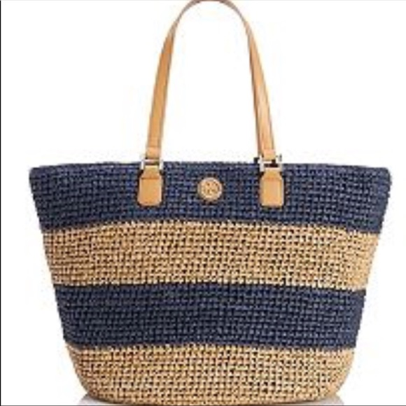 8b899d5028b Tory Burch Straw Beach Bag Navy stripped. M 5acb8d8f50687c1745265289
